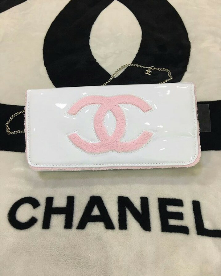 Authentic chanel white patent leather clutch VIP Gift