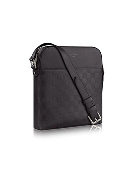 Louis Vuitton District Pochette